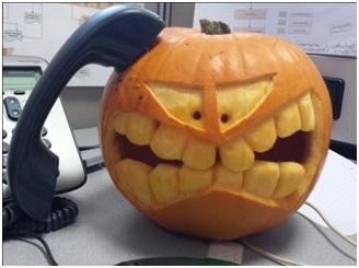 pumpkin_on_the_phone-328x245